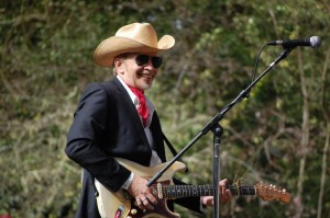 Dave Alvin is Happy